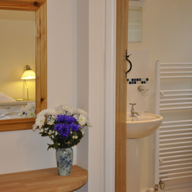 Bedroom ensuite in Manor Bedw Holiday Cottage near Narberth Pembrokeshire